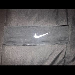 Nike black & white headband